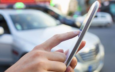 Auto ontgrendelen met smartphone door samenwerking smartphone- en autofabrikanten